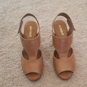 Aerosoles Light Tan Cone Heeled Sandals
